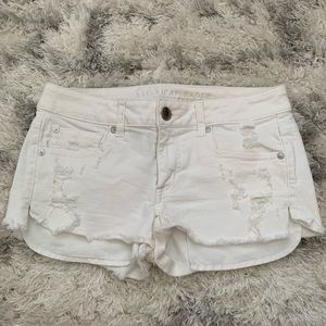 American Eagle low rise white denim jeans